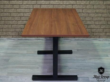 Стол в кафе ресторан бар